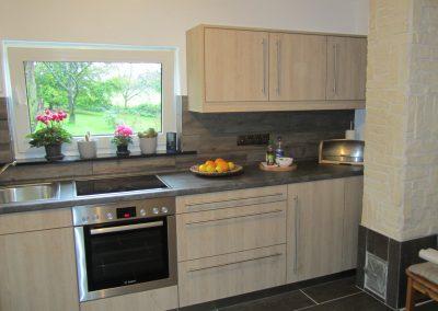 Küche nachher HPL Eiche